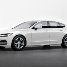 Обновленные Volvo S90 и V90 Cross Country: цены в России