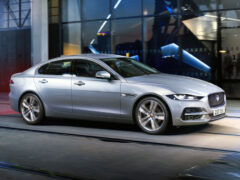 Дизель и электроника: седан Jaguar XE опять доработан