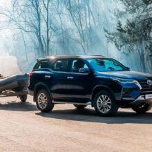 Обновленная Toyota Fortuner с турбодизелем добралась до России