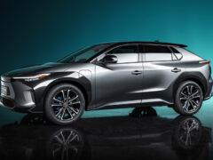 Кроссовер Toyota bZ4X откроет электрическую гамму компании