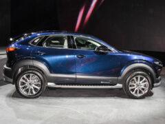 Mazda CX-30 встала на цыпочки ради электротяги
