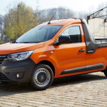 В гамме новой модели Renault Express появился пикап