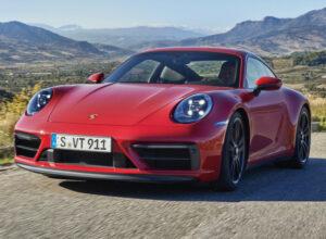 Новый Porsche 911 Carrera GTS расположился между версиями S и Turbo