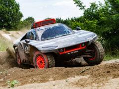 Гибрид Audi RS Q e-tron для Дакара вышел на испытания